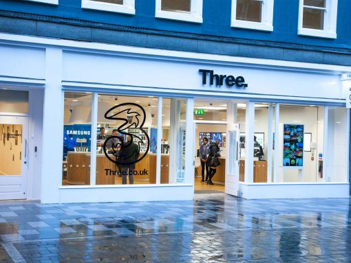 Closure of Three UK's retail stores image